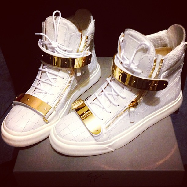 Giuseppe Shoes Red And Gold