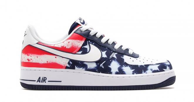 Need some new kicks to showoff at the BBQ this weekend? Here you go.. the Nike  Air force one independence day will set off some fireworks.