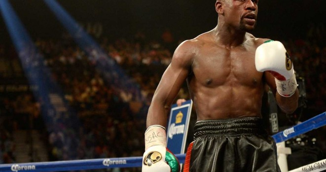 floyd-mayweather-narrowly-beats-marcos-maidana-comes-the-closest-he-has-come-to-losing-a-fight-in-years