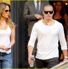 jennifer-lopez-casper-smart-dinner-with-the-family-11