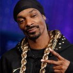 What's poppin' w/ Snoop Dogg being roasted by his friends?
