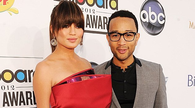 blogmedia-M_JohnLegend_Chrissy_020113.jpg